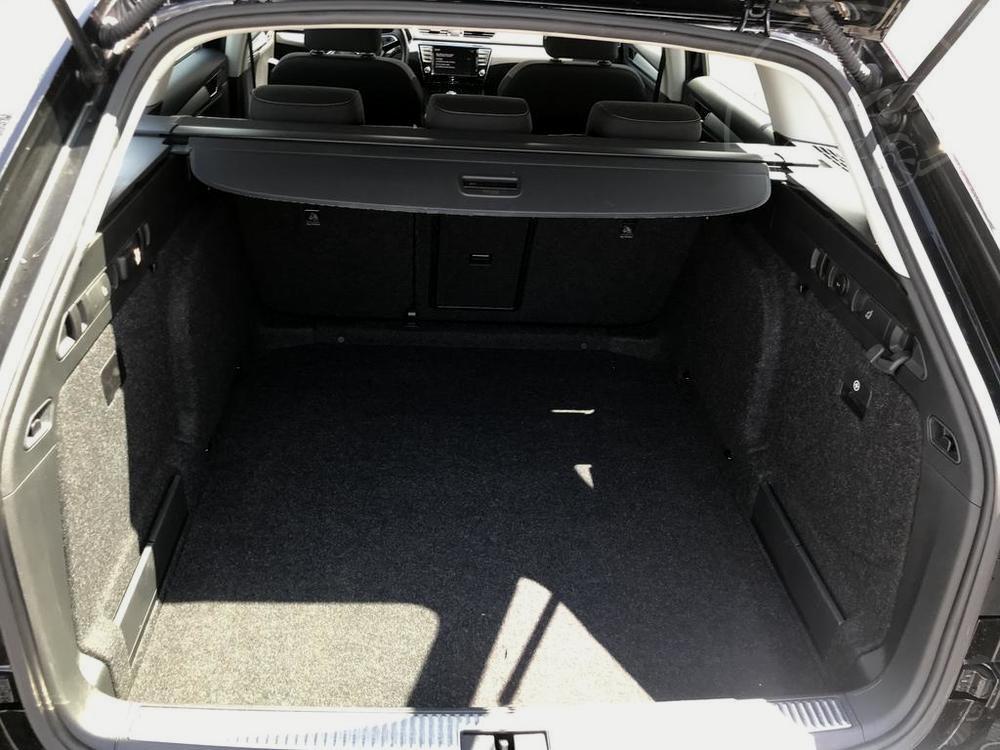 Prodej černá Škoda Superb 2.0 TDI, karoserie, kufr na zavazadla, najeto 72.265 Km, cena 449.990 Kč, autobazar Auto Faltys
