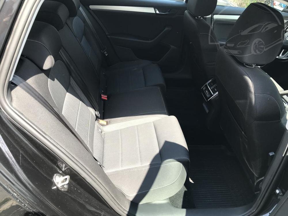 Prodej černá Škoda Superb 2.0 TDI, zadní sedačky, najeto 72.265 Km, cena 449.990 Kč, autobazar Auto Faltys