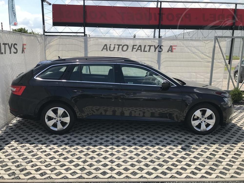 Prodej černá Škoda Superb 2.0 TDI, pravý bok karoserie, najeto 72.265 Km, cena 449.990 Kč, , autobazar Auto Faltys