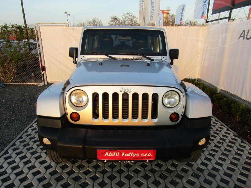Jeep Wrangler Unlimited 2.8 CDR, 70th Anniversary Edition, automat, rok 2011