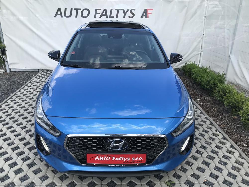 Modrý Hyunday i30 na prodej, předek karosérie, v provozu od dubna 2017, benzín, automat, najeto 58.170 km, autobazar Auto Faltys