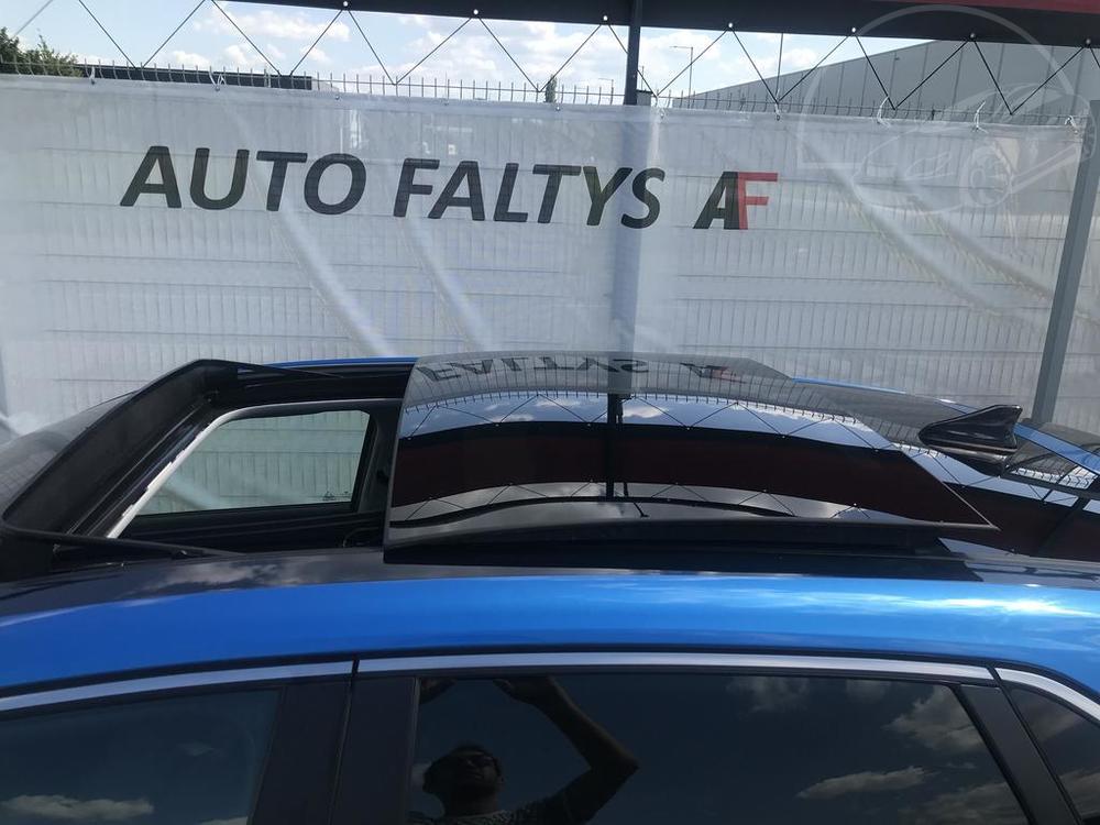 Modrý Hyunday i30 na prodej, karosérie, panoramatická střecha, v provozu od dubna 2017, benzín, automat, najeto 58.170 km, autobazar Auto Faltys