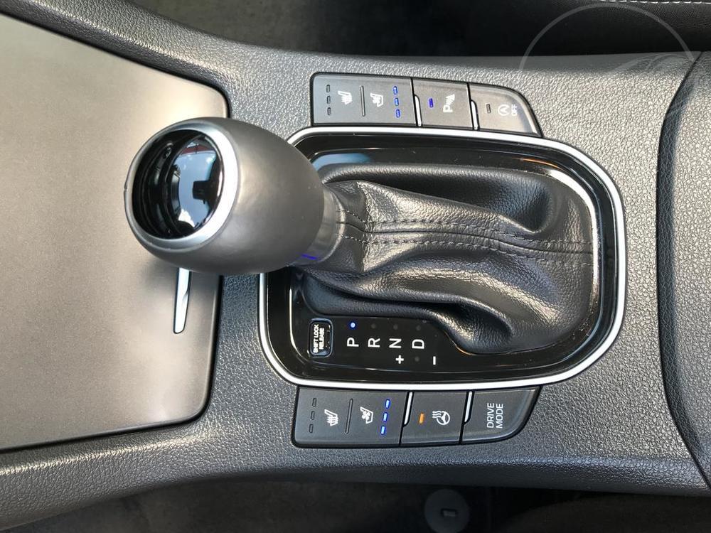 Modrý Hyunday i30 na prodej, automatická převodovka, v provozu od dubna 2017, benzín, automat, najeto 58.170 km, autobazar Auto Faltys