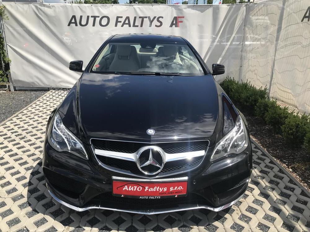 Předek karoserie, černý Mercedes E 250 na prodej, CDI, AMG, 150 KW, diesel, automat, najeto jen 65.156 kilometrů