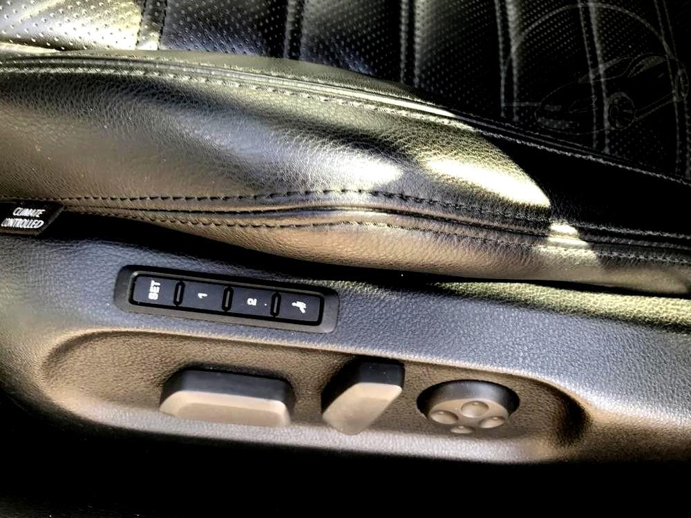 Interiér, elektrické polohování sedaček - Volkswagen Passat 2.0 TDI, 125 kW, DSG, výbava Highline B, rok 2009