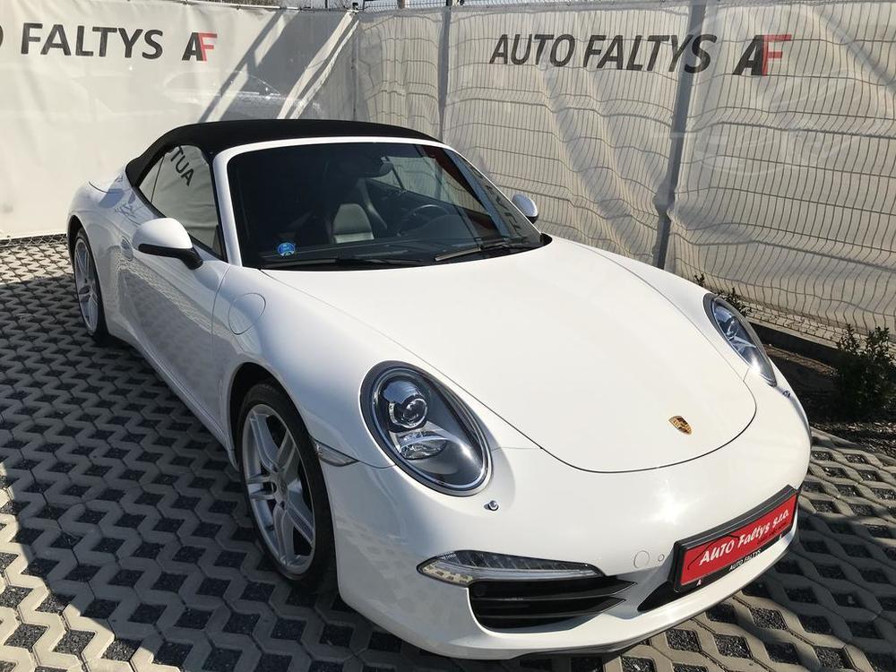 Porsche 911 Cabriolet, rok 2012 (model 991)