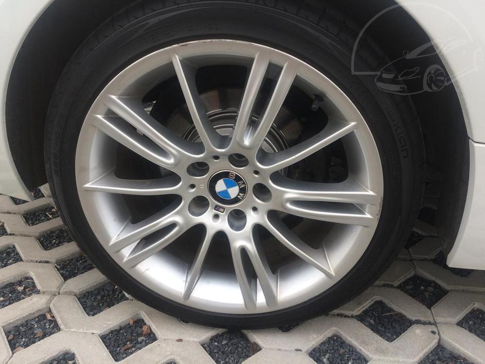 Bílé BMW 3 kupé, rok 2013, diesel, automat, 135 kW, pohon 4x4, najeto 168.030 km, autobazar Auto Faltys