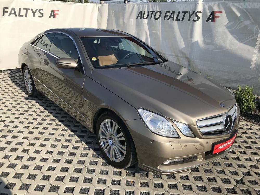 Mercedes-Benz E 350, rok 2009, luxusní výbava, najeto jen 26.561 km, autobazar Autofaltys