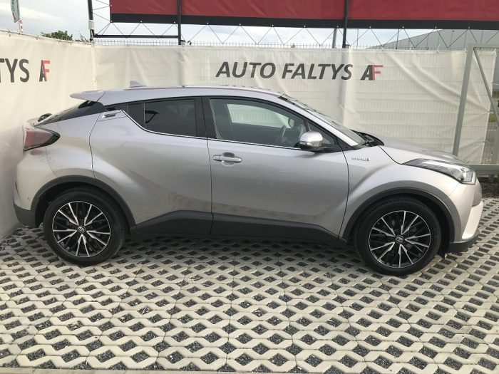 Grey Toyota C-HR, right side view of body car with futuristic design, dealer Auto Faltys