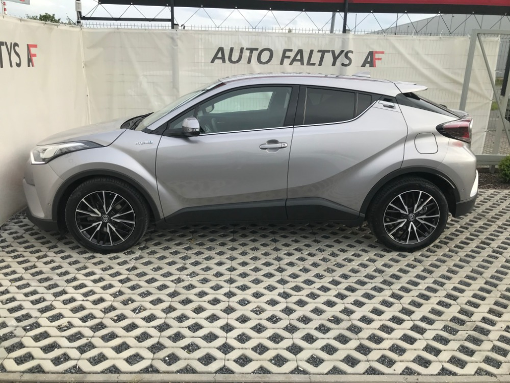 Grey Toyota C-HR, left side view of body car with futuristic design, dealer Auto Faltys