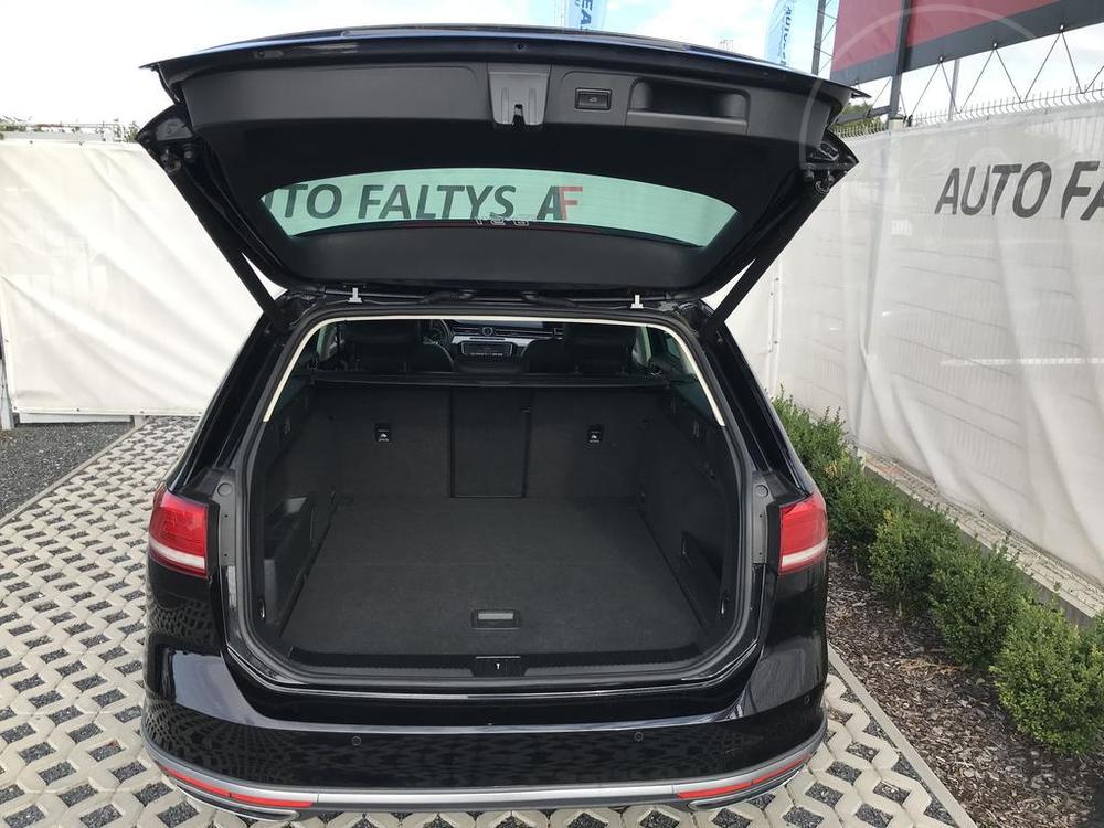 Volkswagen Passat Alltrack kombi na prodej, černá metalíza, rok 2016, automat, diesel, 4x4, 176 kW, na tachometru 168.207 km