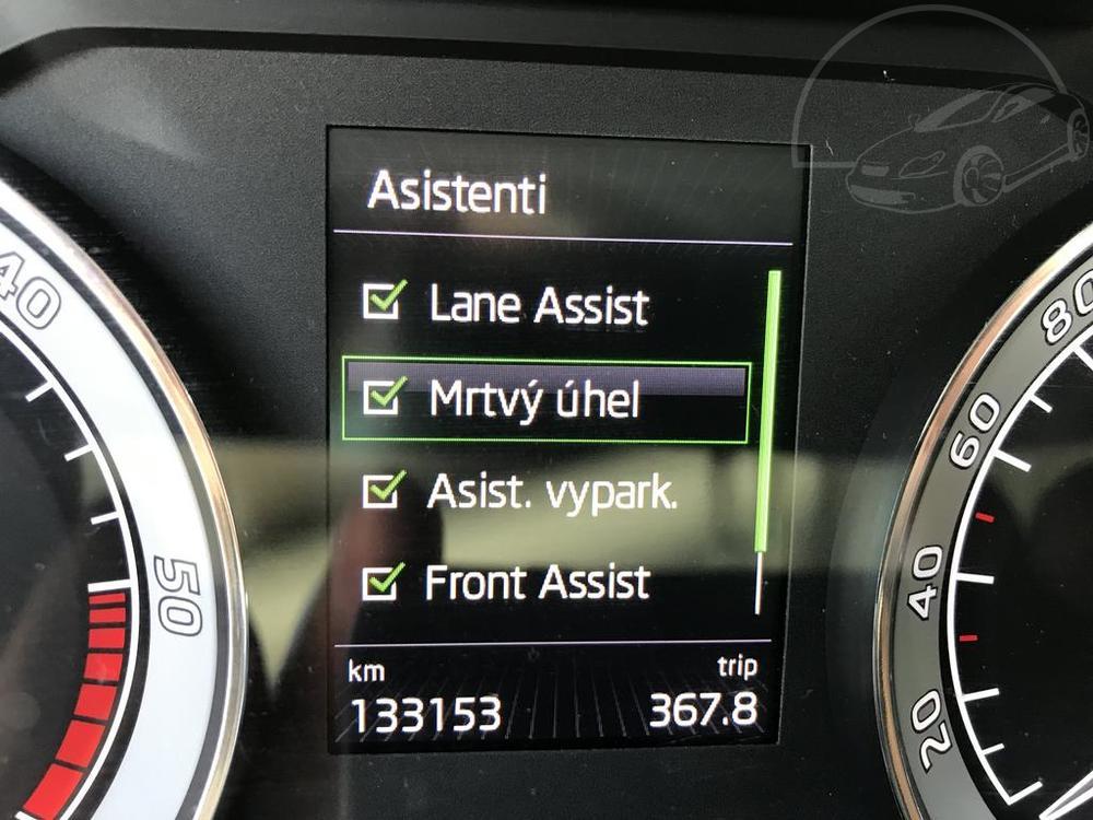 Bílá Škoda Superb 2.0 TDI na prodej, asistenti, bazar Auto Faltys