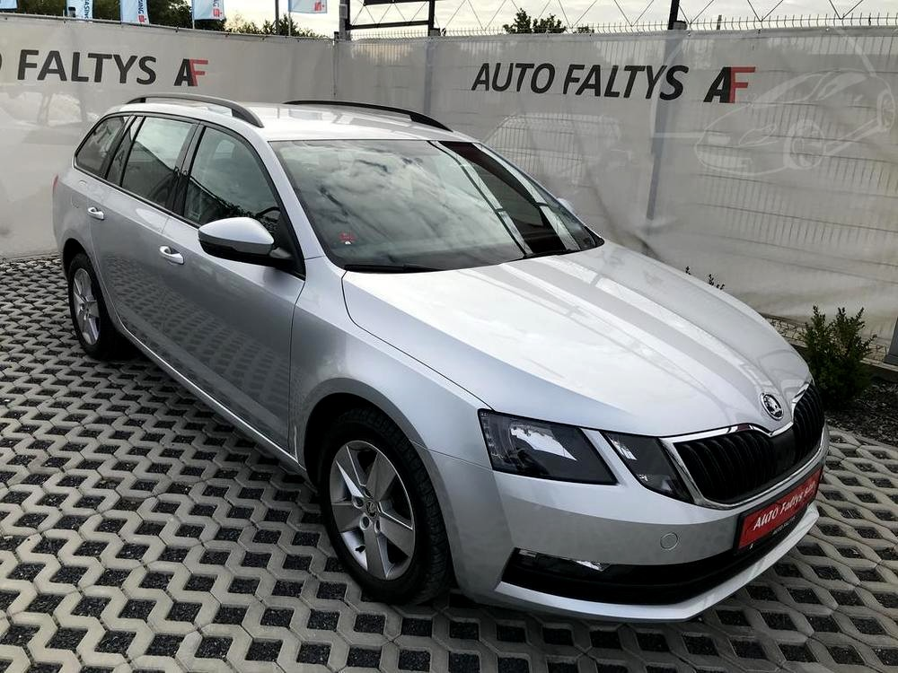 Metallic Grey Skoda Octavia Estate 2017, front and side view of the car body, dealer Auto Faltys