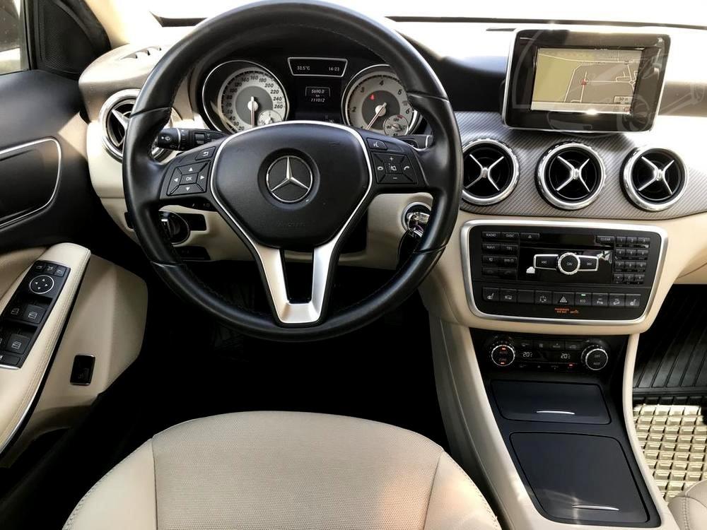 Brown Metalic Mercedes-Benz GLA 220d 2014, interior, steering wheel, central panel
